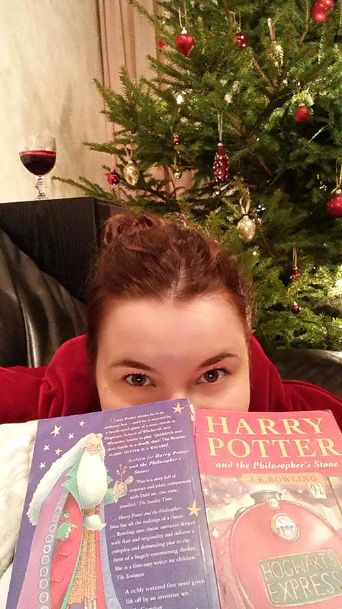 Harry Potter ja punaviini. Kuulostaa joululta.