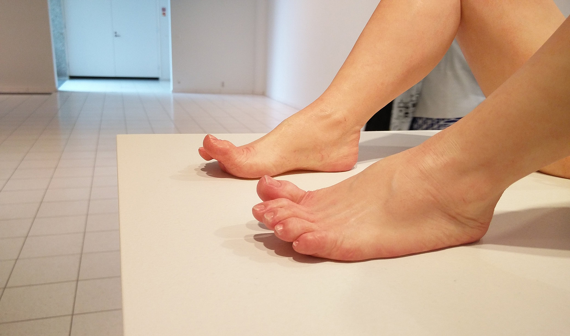 ron_mueck_sara_hilden_taide_tampere_2