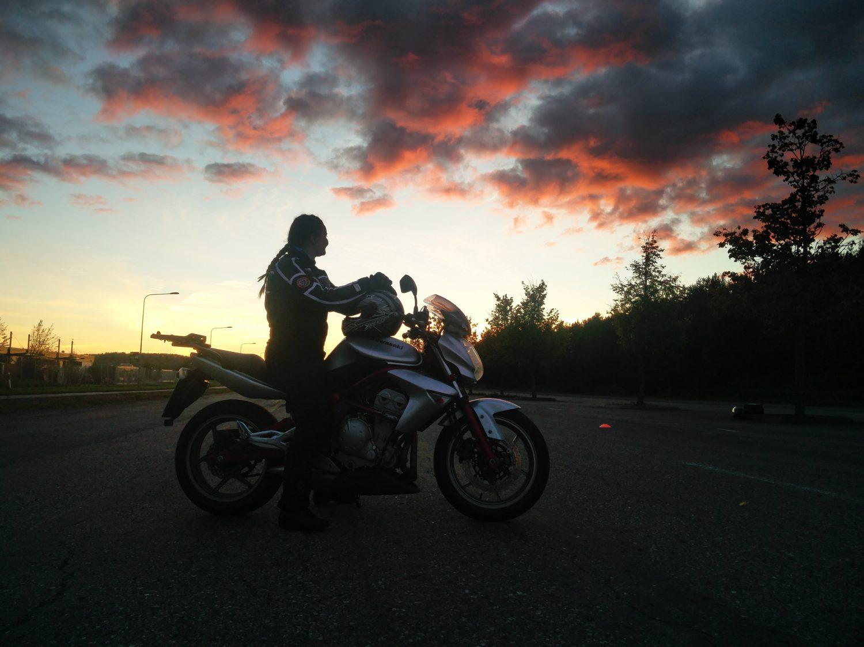 moottoripyörä käsittelykoe